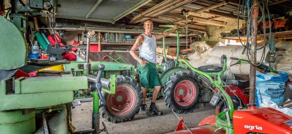 Manfred Urban in der Garage