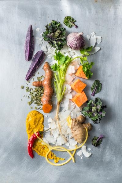 Süßkartoffel, Vitelotte, Flower Sprouts, Ingwer, Kurkuma, Koriander, Knoblauch, Chili, Kokosflocken, Bockshornklee