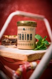 Der Lohn der Arbeit: Ein Glas allerfeinste Tahina.